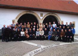 Gruppenbild vor der Zehntscheuer